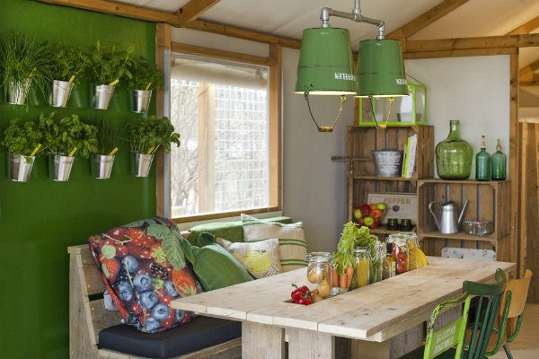 Eetkamer van groentehuisje Geversduin