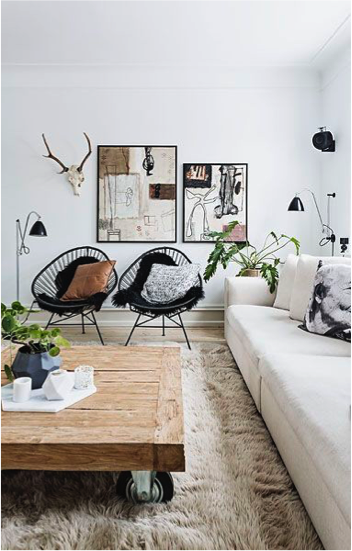 witte bank in woonkamer