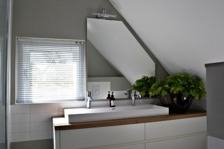 Badkamer met wit meubel | Atelier09