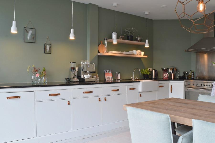 Kleur uitgelicht groen atelier09 for Zelf je keuken ontwerpen