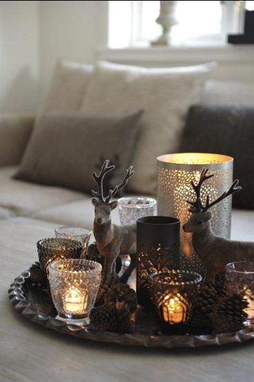 Kerstklaar dienblad met kaarsen